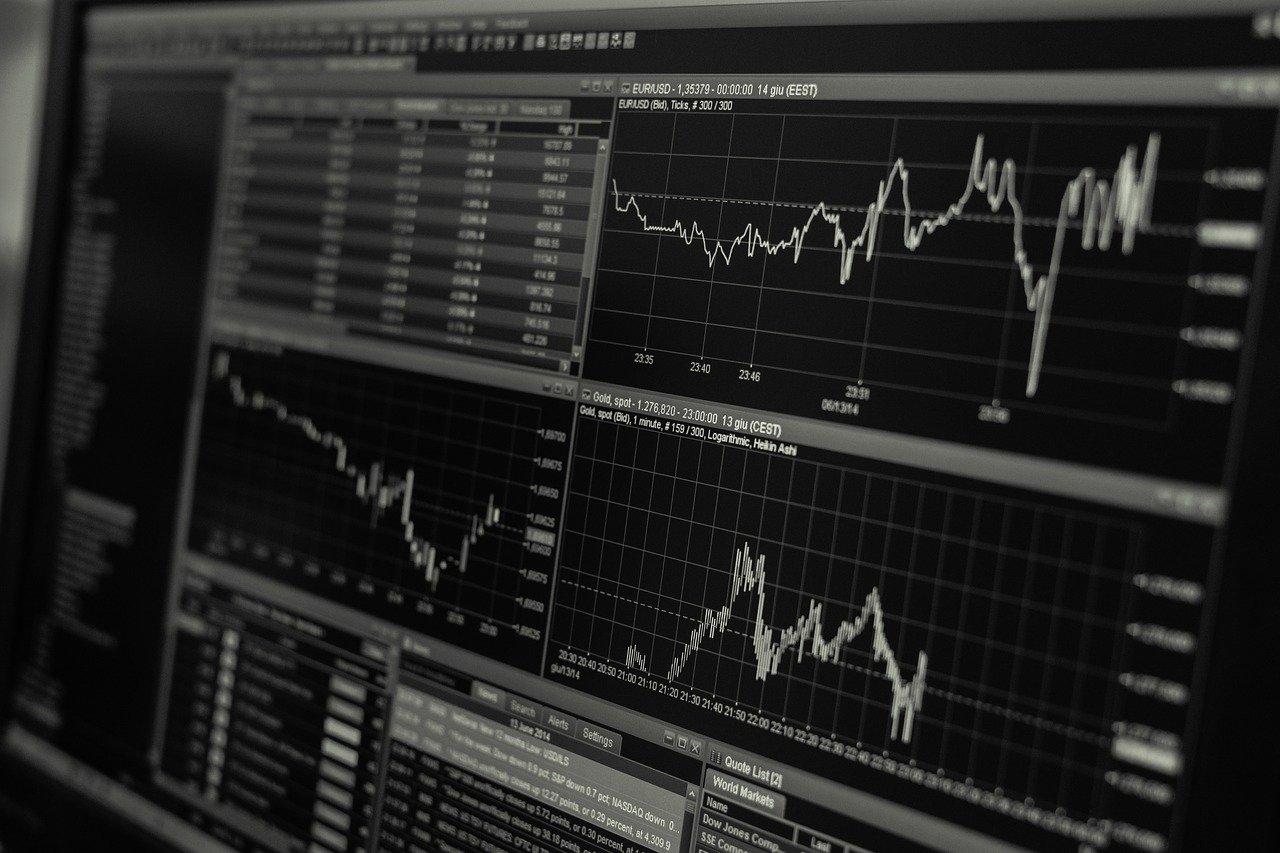 Obniżone stopy procentowe- wady i zalety